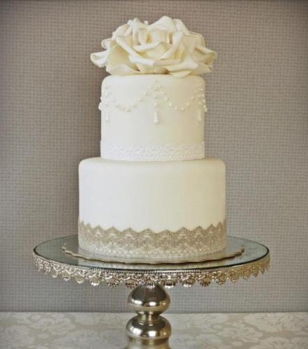 2_tiered_weddign_cake.529.600