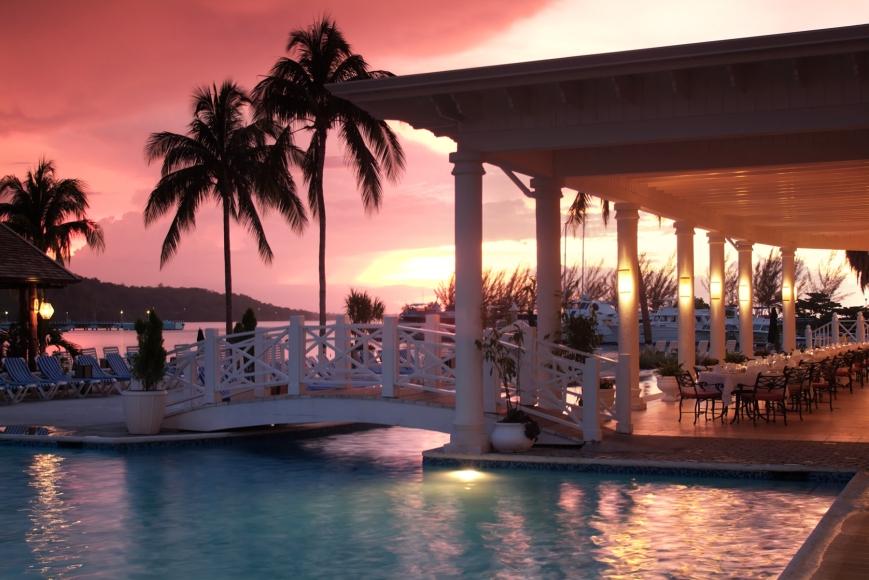 Sunset_Jamaica_Grande_Transportation