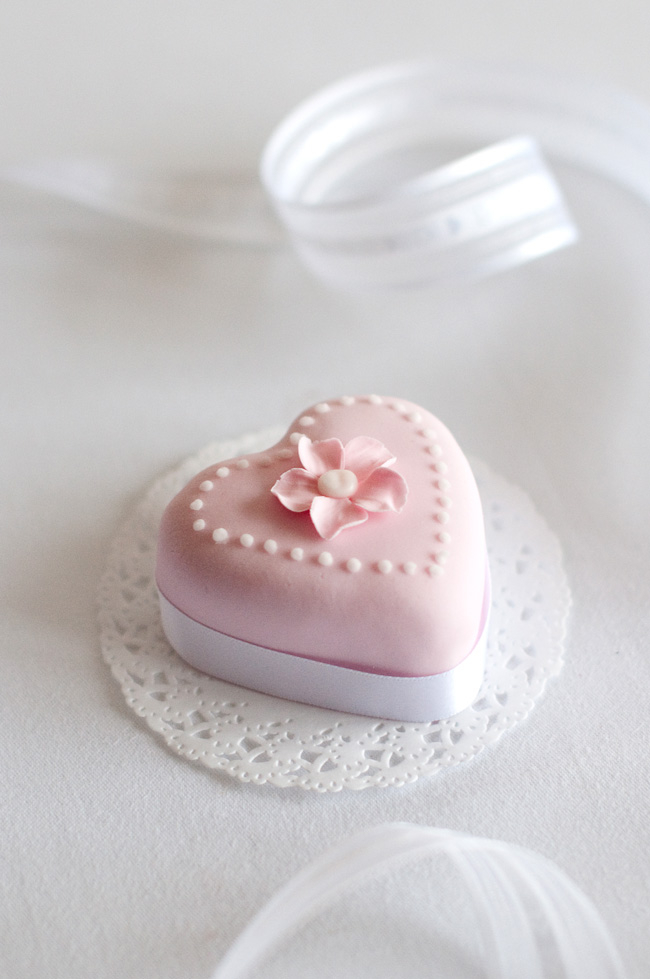 valentine petit four
