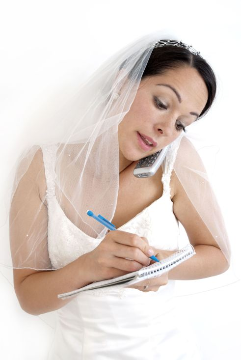 bride-with-notepad
